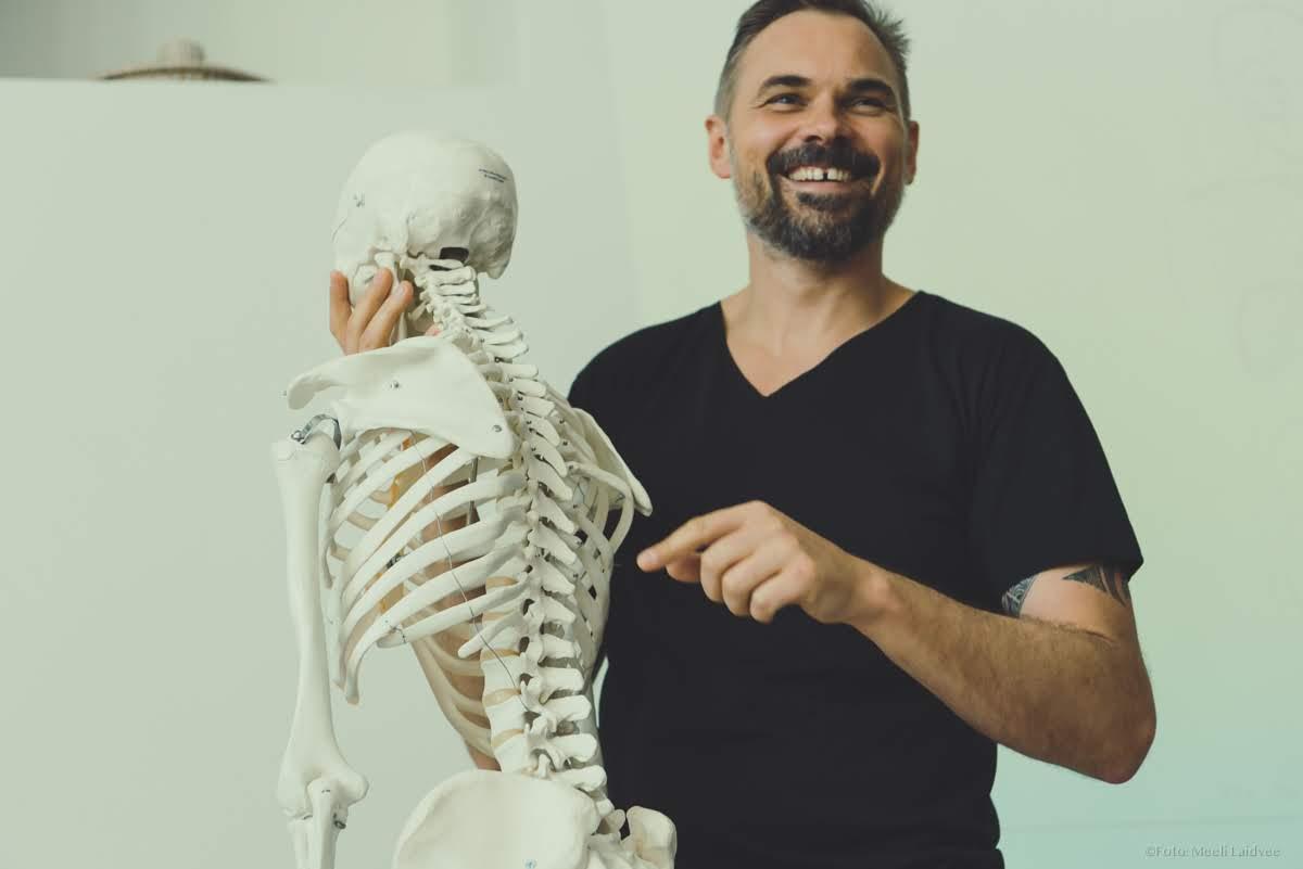 Miniatura artykułu Jak radzić sobie z bólem? Holistyczne podejście i praca z ciałem